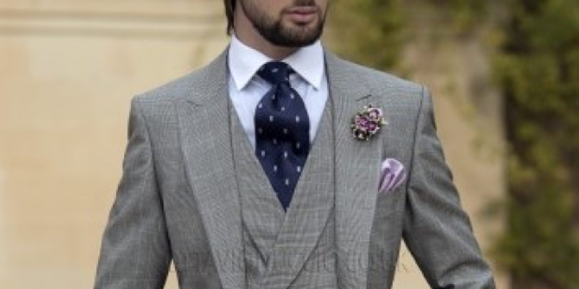 WEDDING SHOPPING TIPS FOR GROOMS